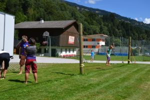 Slackline probieren in der Jugendpension Müllauerhof